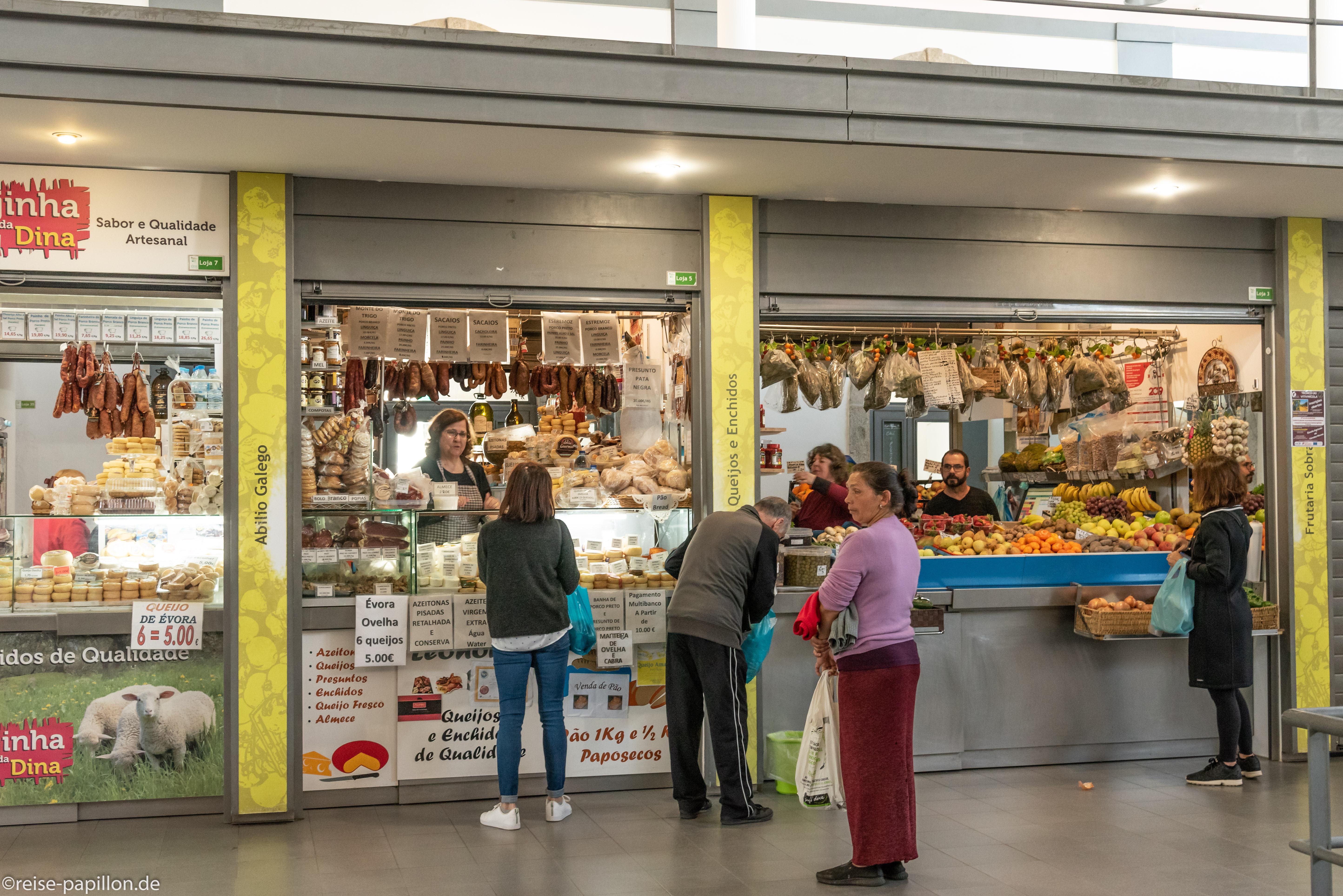 Markthalle in Evora